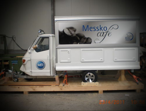 Ape Espressomobil per Luftfracht