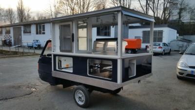 Das Café Mobil auf der Basisi der Ape TM 703 von Piaggio Modell 2018
