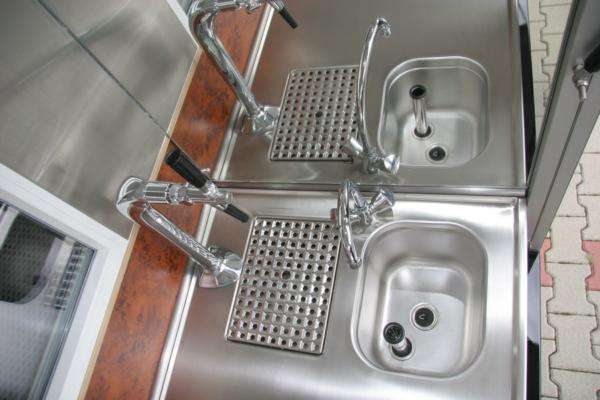 Das Hygienesystem im Fahrerhaus der Ape 50 oder im Aufbau im Kaffeemobil