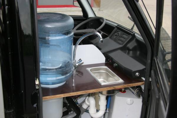 Piaggio Ape TM 703 Kaffeemobil Hygienesystem