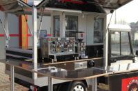 Der Aufbau des Melx Kaffeemobil in der Black Edition Version von Schira Café