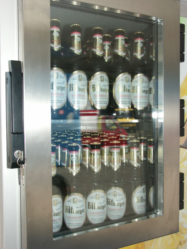 Ape 1200 Biermobil mit Bitburger, Flaschenkühlhaus