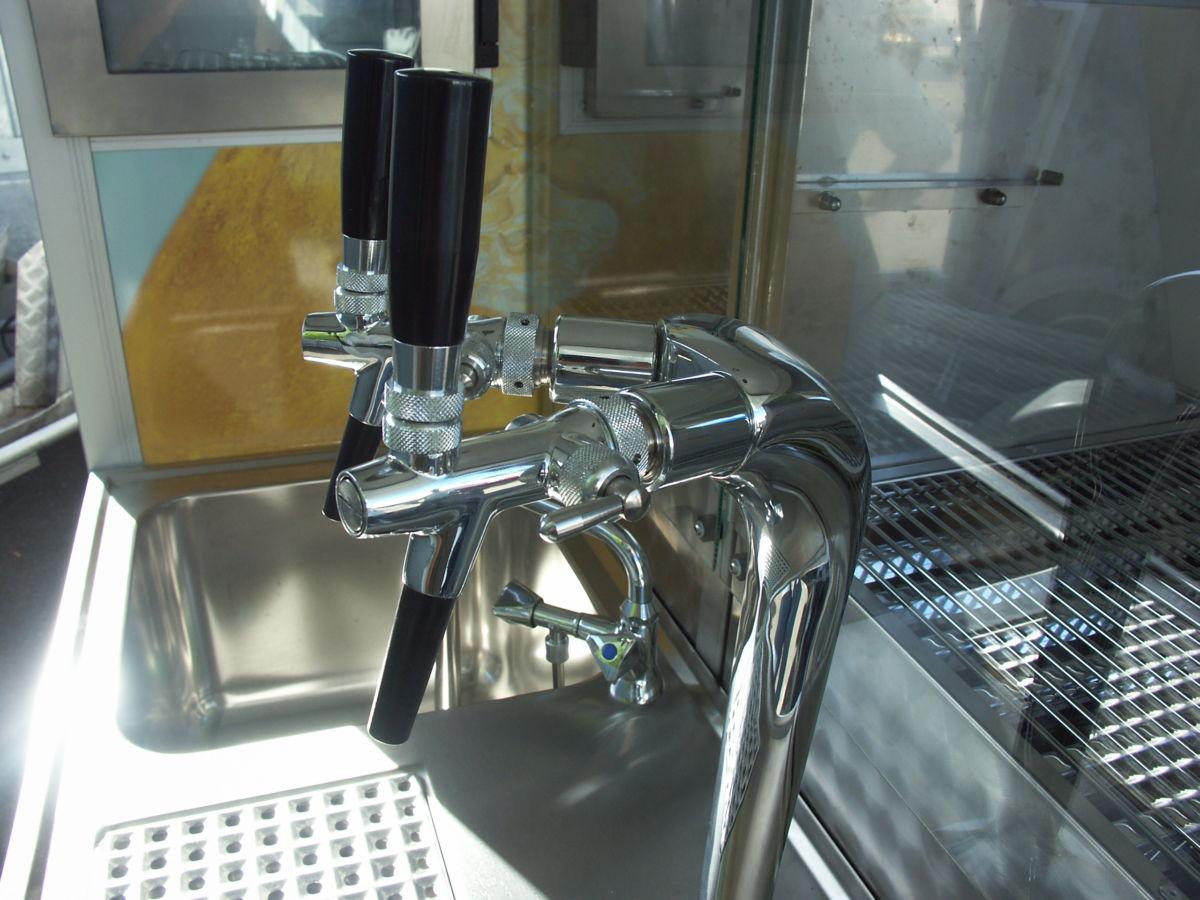 Ape1200 Biermobil Zapfanlage