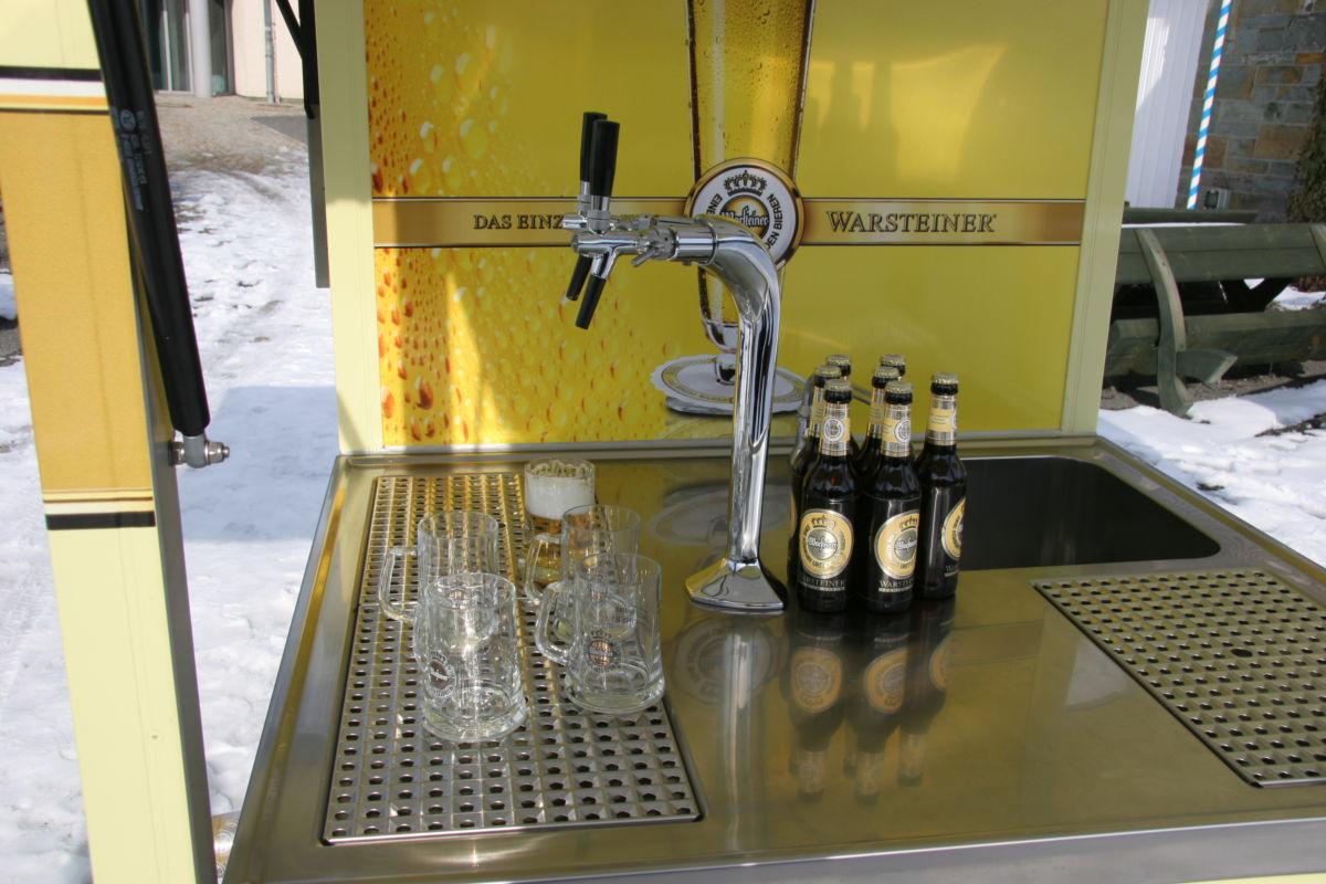 Ape 1200 Biermobil mit Warsteiner