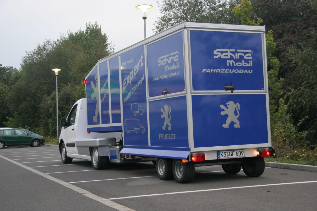 Peugeot Expert Minni-Sattelauflieger Promotionmobil und Kaffeemobil