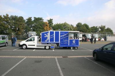 Peugeot Expert Minnisattelauflieger Promotionmobil und Kaffeemobil