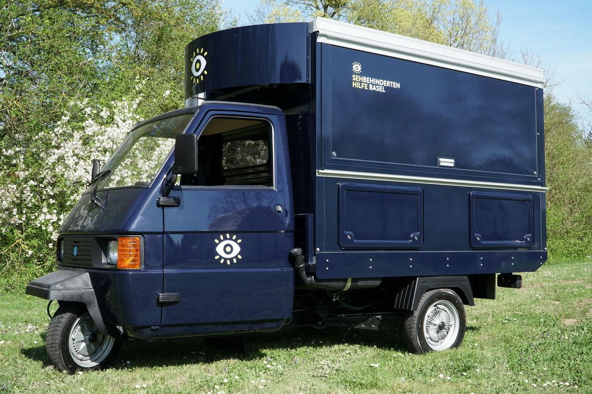 Die APE von Piaggio, das bekannte Dreirad aus Italien in der Version mobiles Café , das neue Kaffeemobil.