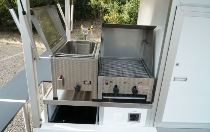 Ape Classic Biermobil , mit Grillsystem