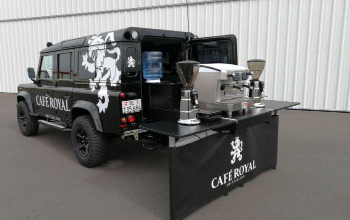 Landrover Defender Black Edition, das Allrad Kaffeemobil für Café Royal