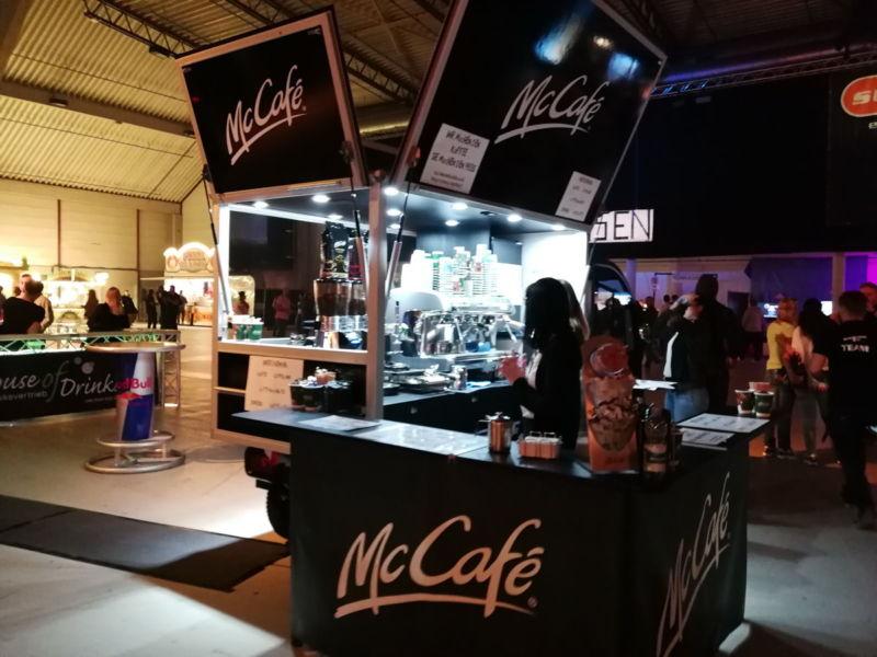 Mit dem McCafé Kaffeemobil auf der sunshine live 90er Party
