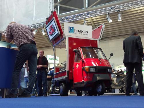 Das Cafémobil auf der Messe bei Piaggio