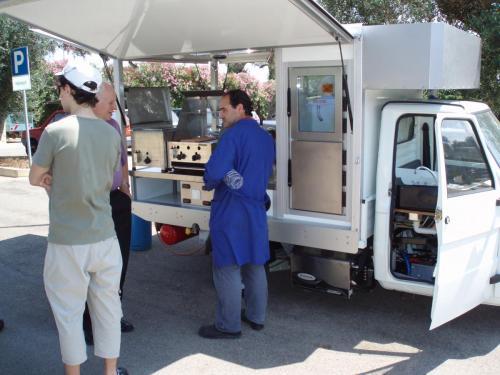 Die APE TM 703 für Scarlino, das neue Grillmobil