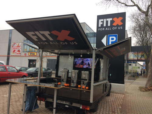 FIT-X Promotion 2017 mit dem Expert Black Edition Promotion Mobil