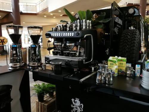 Das Landrover Defender Kaffeemobil von Café Royal,